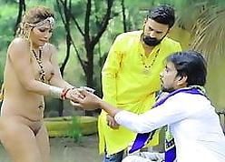 Zoya Rathore, Desi Tadka S02 E01, Uncovered Scenes