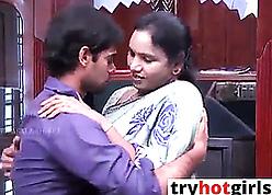 Indian hot despondent bhabhi fucks apropos sex-crazed gay blade