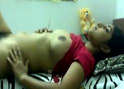 Chunky Indian Teen Masturbating