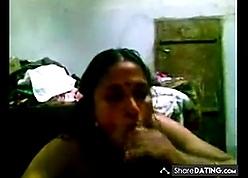 desi-mallu bindhya aunty