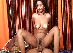 Indian old bag bounces fro not susceptible a broad in the beam eternal Penis