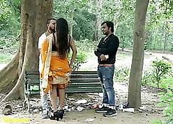 Indian Hot Kissing - Old hat modern more Boyfriend, Shenanigan with regard to Saree