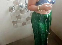 Indian Stepmom, Go to the loo Coition