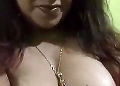 Titillating chunky pussy crevice